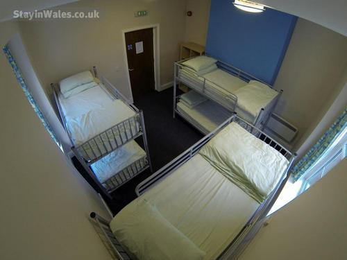 Hostel room sleeps 6