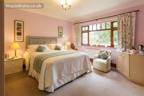 pengelli bedroom