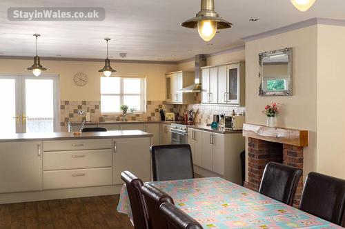 sycamore cottage - kitchen