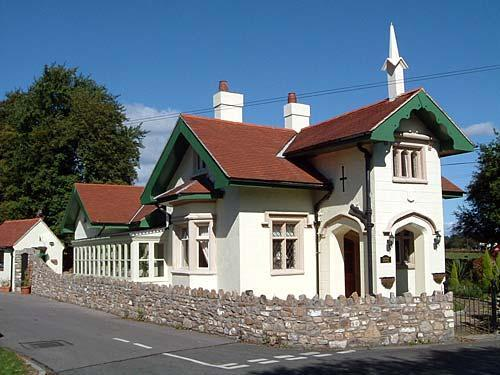 cardiff self catering