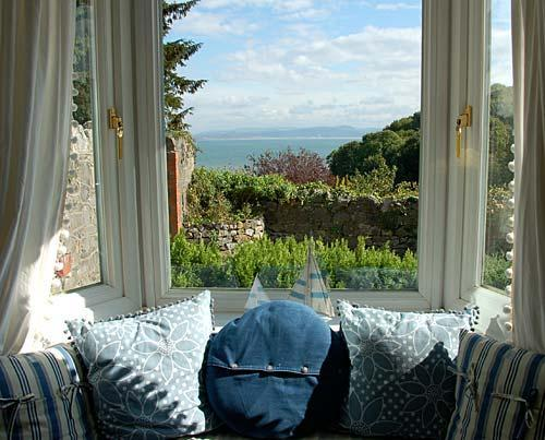 sea views window