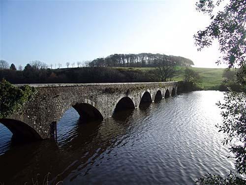 eight arch bridge