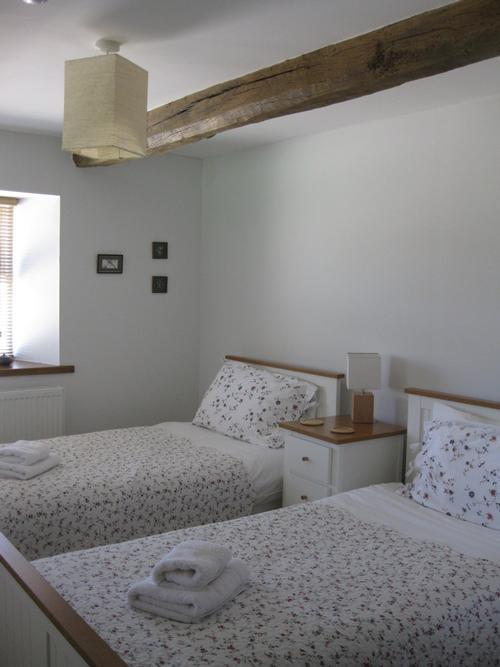 loft twin bedroom