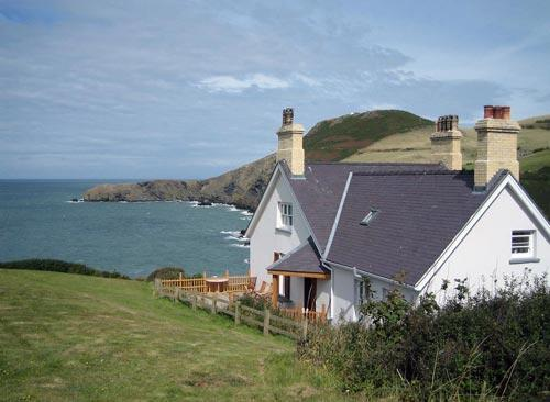 Llangrannog villa with sea views