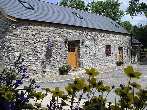 Llanrhystud cottages