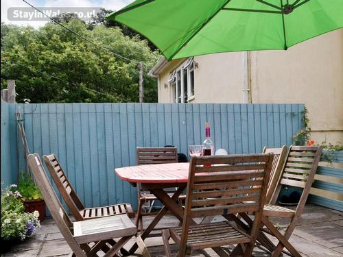 barbecue, table, chairs parasol