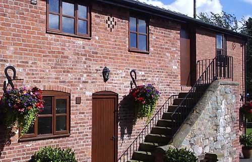 tynllwyn farm cottages