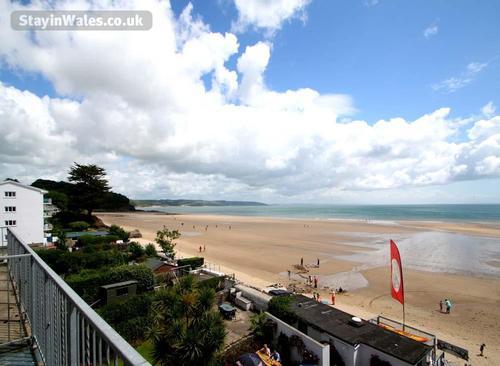 saundersfoot beach view