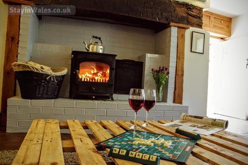 wood-burning stove n trawsgyrch cottage