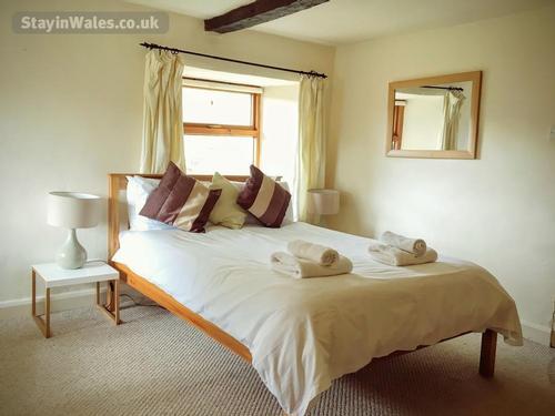trawsgyrch double bedroom