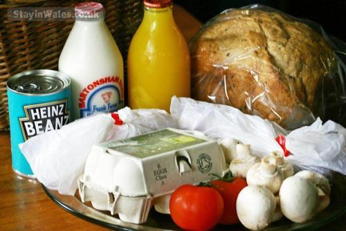 breakfast hamper - £25