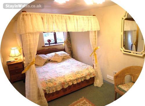 bed room with en suite