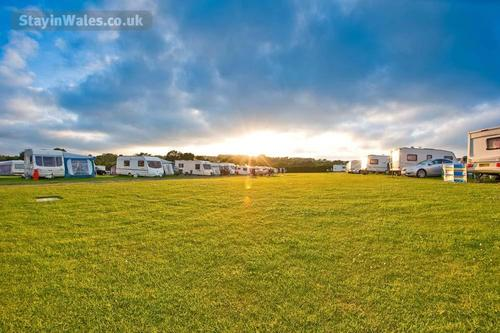 grondre holiday park campsite at sunset