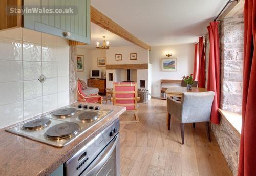 open-plan cottage studio