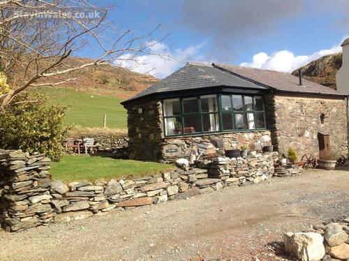 Beddgelert cottage for two