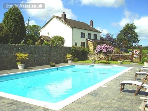 Trenewydd Holiday Cottages and B&B