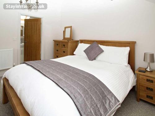 ensuite bedroom