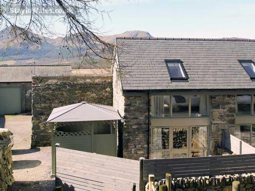 snowdon cottage for two