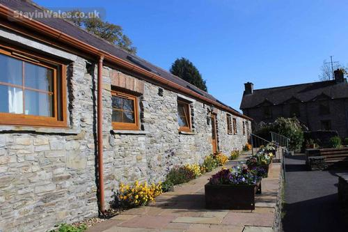 quality cottages in mid wales