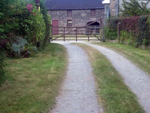 Approach to farmhouse