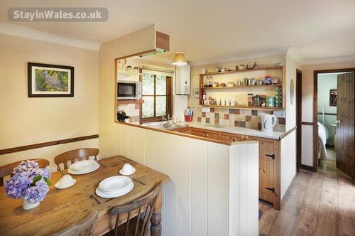luxury dining kitchen