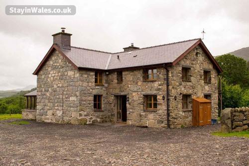 tyddyn bwlch farmhouse