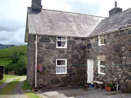 nantcaw fawr farmhouse