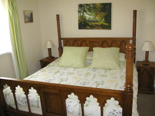 Hedgerow Cottage Sleeps 12