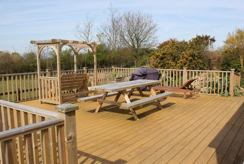 Hedgerow Decking (sleeps 12)