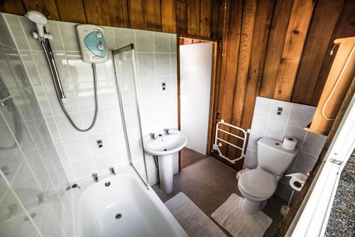 Timber Hill Lodge Bathroom