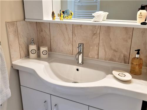 Shower room vanity unit
