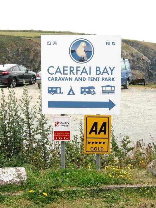 Werlcome to Caerfai Bay