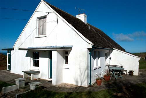 Dinas Head cottage
