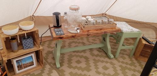 Tea and Coffee Facilities - Gwen
