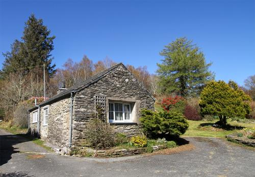 The Cottage and Parking Space