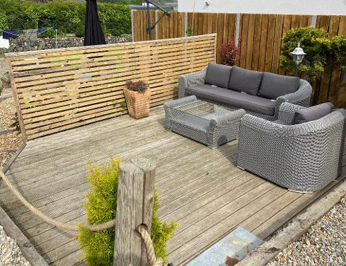 Sun deck with comfortable seating