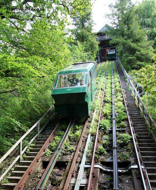 Water powered cliff railway