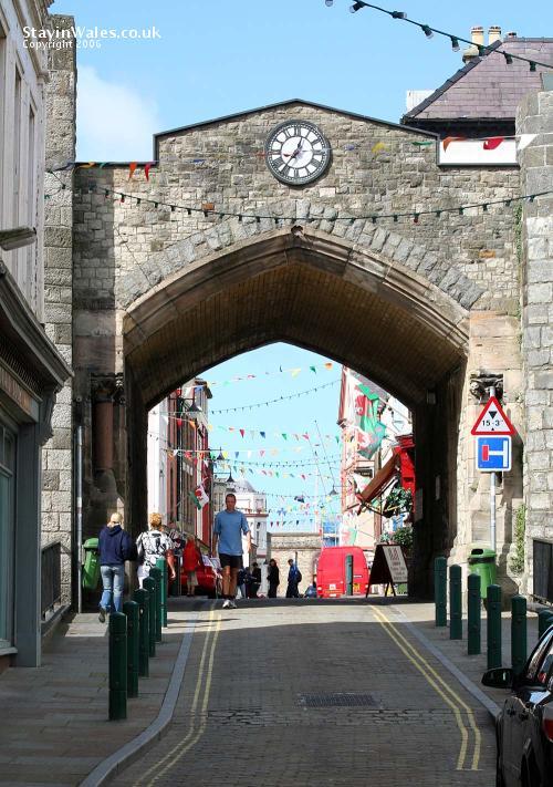 caernarfon town wall
