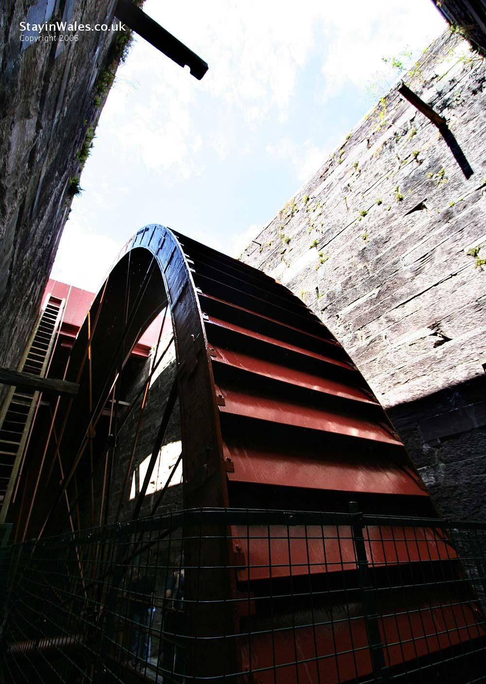 Water wheel at the National Slate Museum