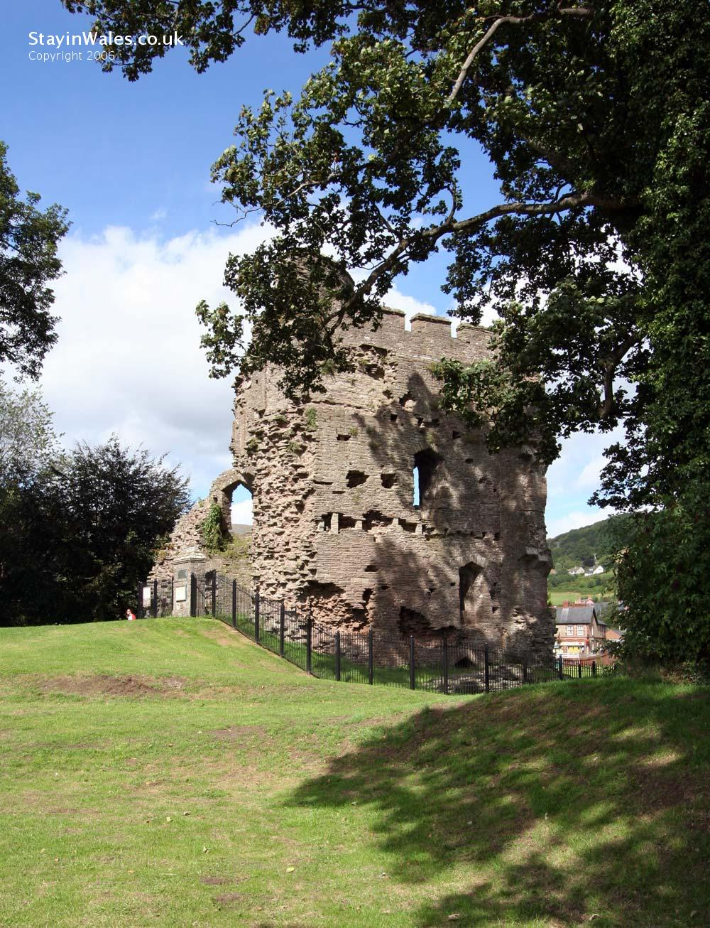 Crickowell Castle