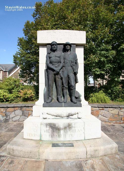 Llaelli War Memorial