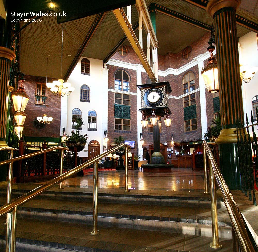 Hotels On Cardiff Bay: Jury's Cardiff Hotel