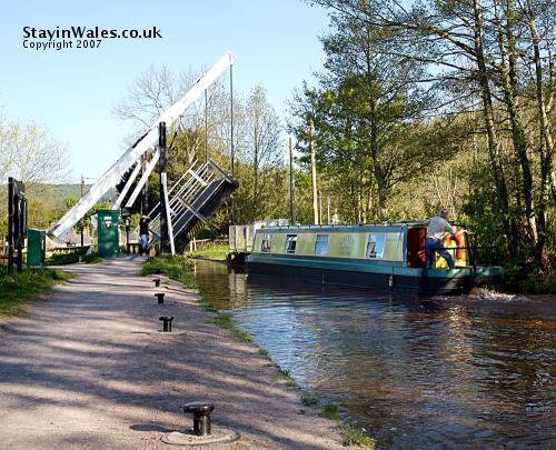 Lifting bridge Talybont-on-Usk