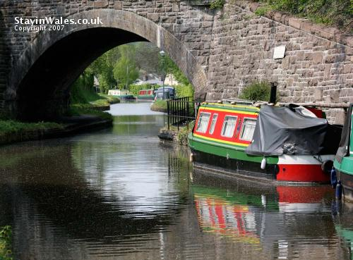 Canal at Govilon
