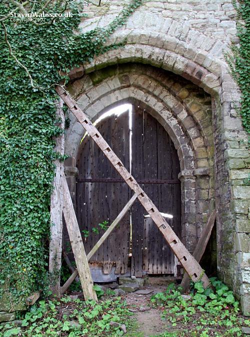 Hay Castle entrance
