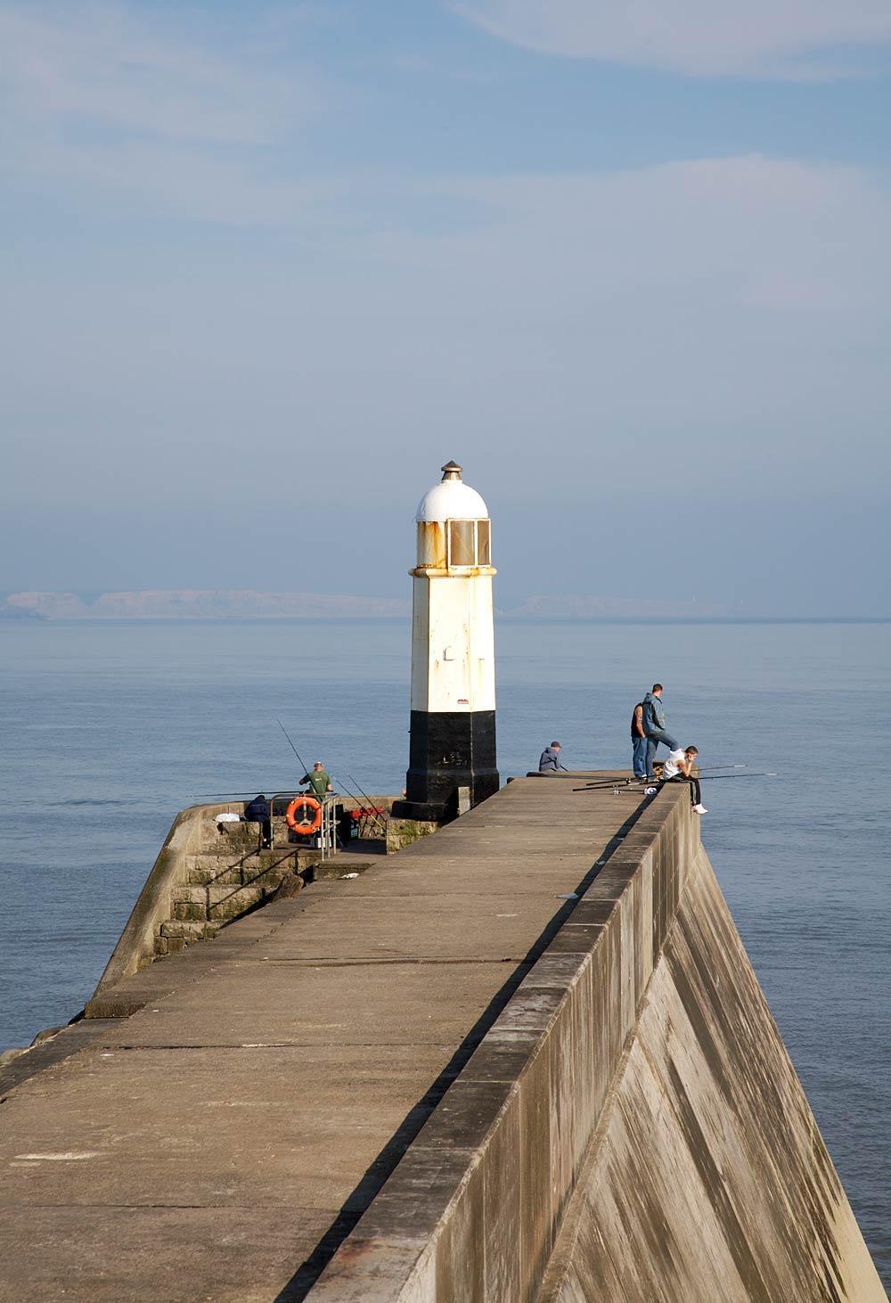 Porthcawl breakwater lighthouse