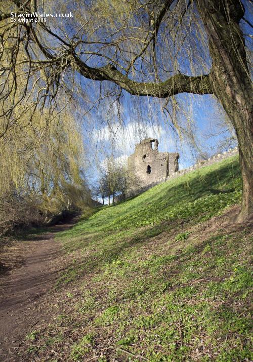 Path to Castle Meadows, Abergavenny