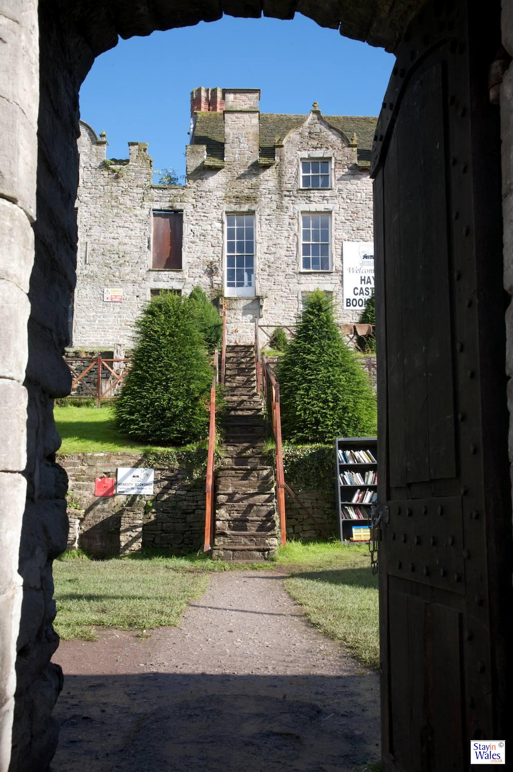 Wall of Books, Hay Castle