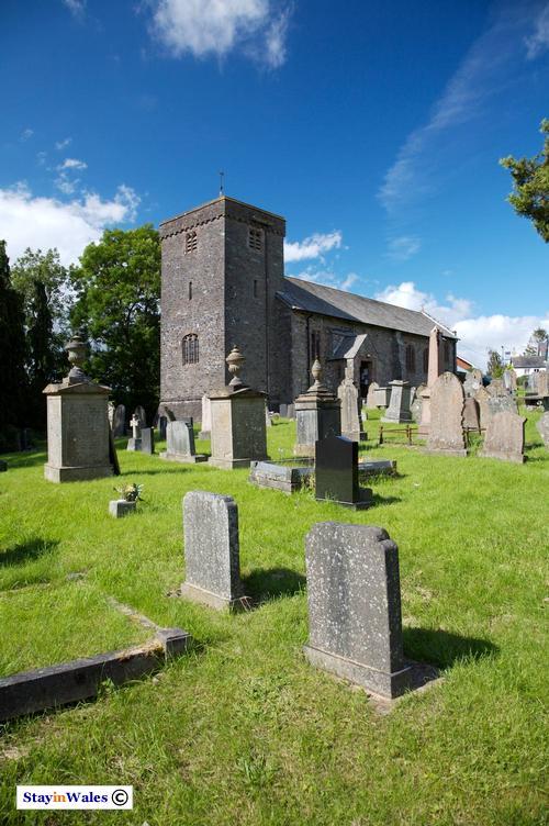 St Cadmarch's, Llagammarch Wells