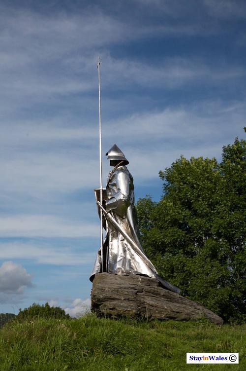 Llywelyn ap Gruffydd Statue
